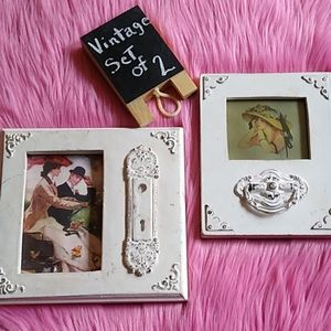 Set of 2 Vintage Look picture frames